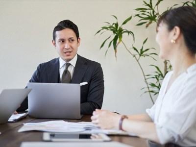 会議室での会話
